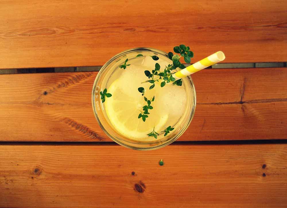 Die Limonade im Glas
