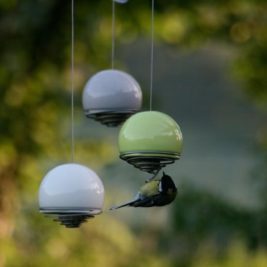 green_and_blue_birdball_feeder_meisenknoedelspender_keramik_meise
